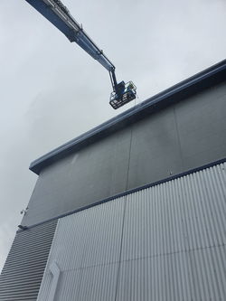 High access cladding cleaning