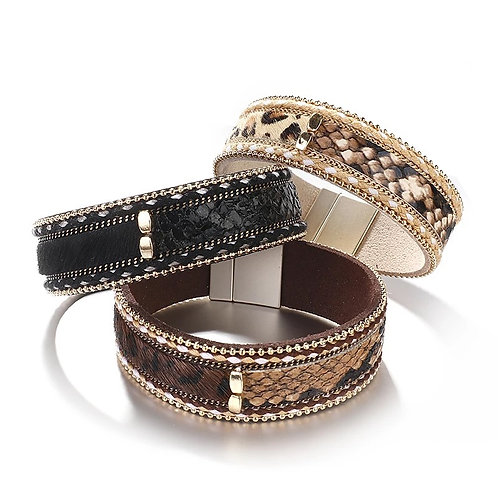 Detailed cuff animal print and bling