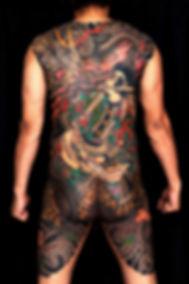 110425horiyasu_mh_0138 black bg and blur