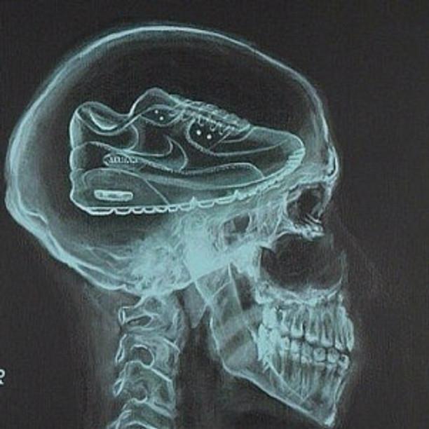 sneak-skull