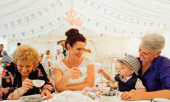 Dotty Daisies handmade wedding photo bunting paper flowers