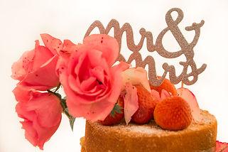 Dotty Daisies handmade wedding cake roses mr &mrs