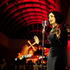 Moulin Rouge Show Singer