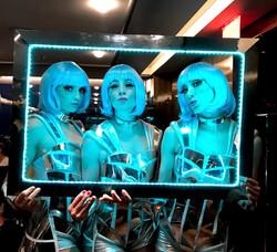 LED Walk The Frame