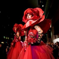 Rose Stilt Performers