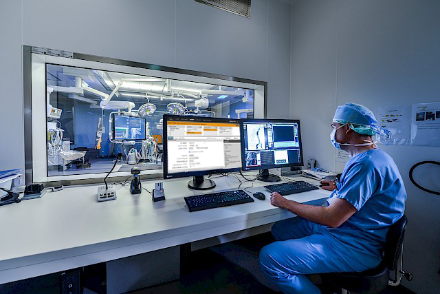 CathLab-with-HYBRID-Screen