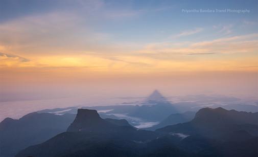 Sunrise from Sri Pada 3