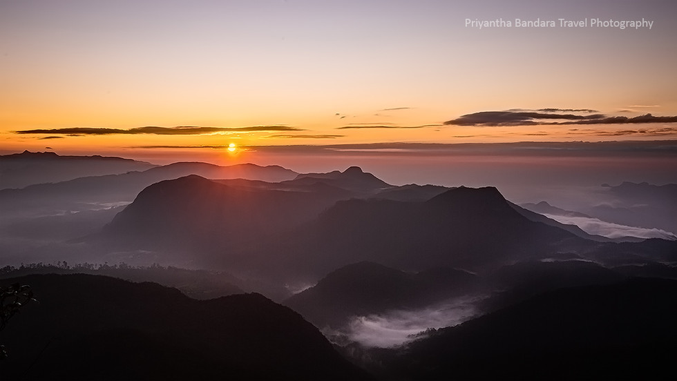 Sunrise from Sri Pada 1