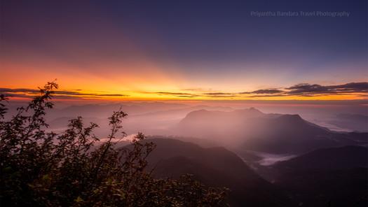 Sunrise from Sri Pada 2