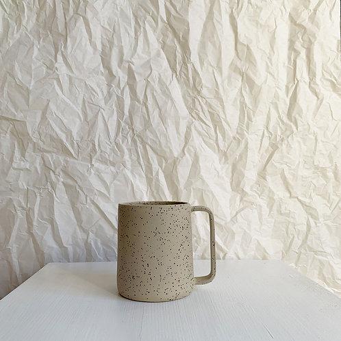 Studio à la cave | Pint Mug