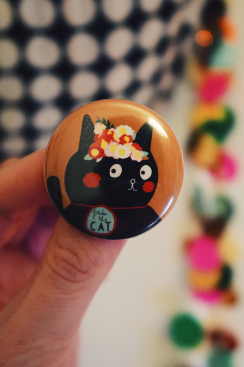 Frida Cat Button
