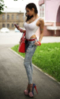 Hot cute urban hot photo. Slim sexy girl in pantyhose stands without panties on the road. Short skirt tights without panties. Long legs High helles 美冬都市写真。 パンストでスリムなセクシーな女の子が道の上に立ちます。 ショートスカート、パンツなしのタイツ。 長い脚 Красивая сексуальная девушка брюнетка стоит на дороге в короткой юбке колготках под юбкой без трусиков Русские сняла трусы шлюхи Slut instagram Famous photographers самая в мире