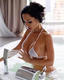 Beauty sexy photo young brunette women White lingerie micro bikini Water pool Big boobs Erotic hot girl model picture 美しさセクシーな写真若い女性白いランジェリーマイクロビキニ水プール巨乳エロ少女モデル画像 Фото Красивая молодая девушка брюнетка в воде бассейне в белом белье микро бикини с Большие сиськи Большая грудь seo продвижение картинки смм раскрутка накрутка фото сайтов реклама instagram самая в мире