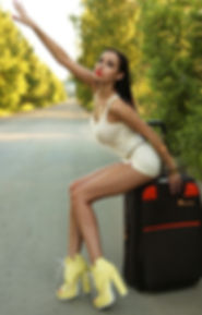 Beauty urban photo. Hot slender beautiful sexy girl sitting on the road Very short skirt. Long legs шлюхи. 都会の美しさの写真。 道に座っている細身の美しいセクシーな女の子。 とても短いスカートです。 長い脚。Стройная сексуальная красивая девушка с длинными ногами сидит на дороге в короткой юбке без трусов лучшие фотографы инстаграм seo продвижение картинки смм раскрутка накрутка фото сайтов реклама  instagram Famous photographers самая в мире