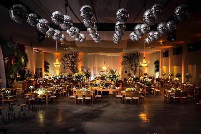 Dicas sobre iluminação decorativa em eventos