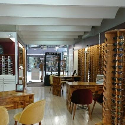 Intérieur magasin Optique Merilhou à Vaison