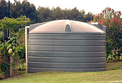 5000-gallon-poly-water-tank-for-orchard.