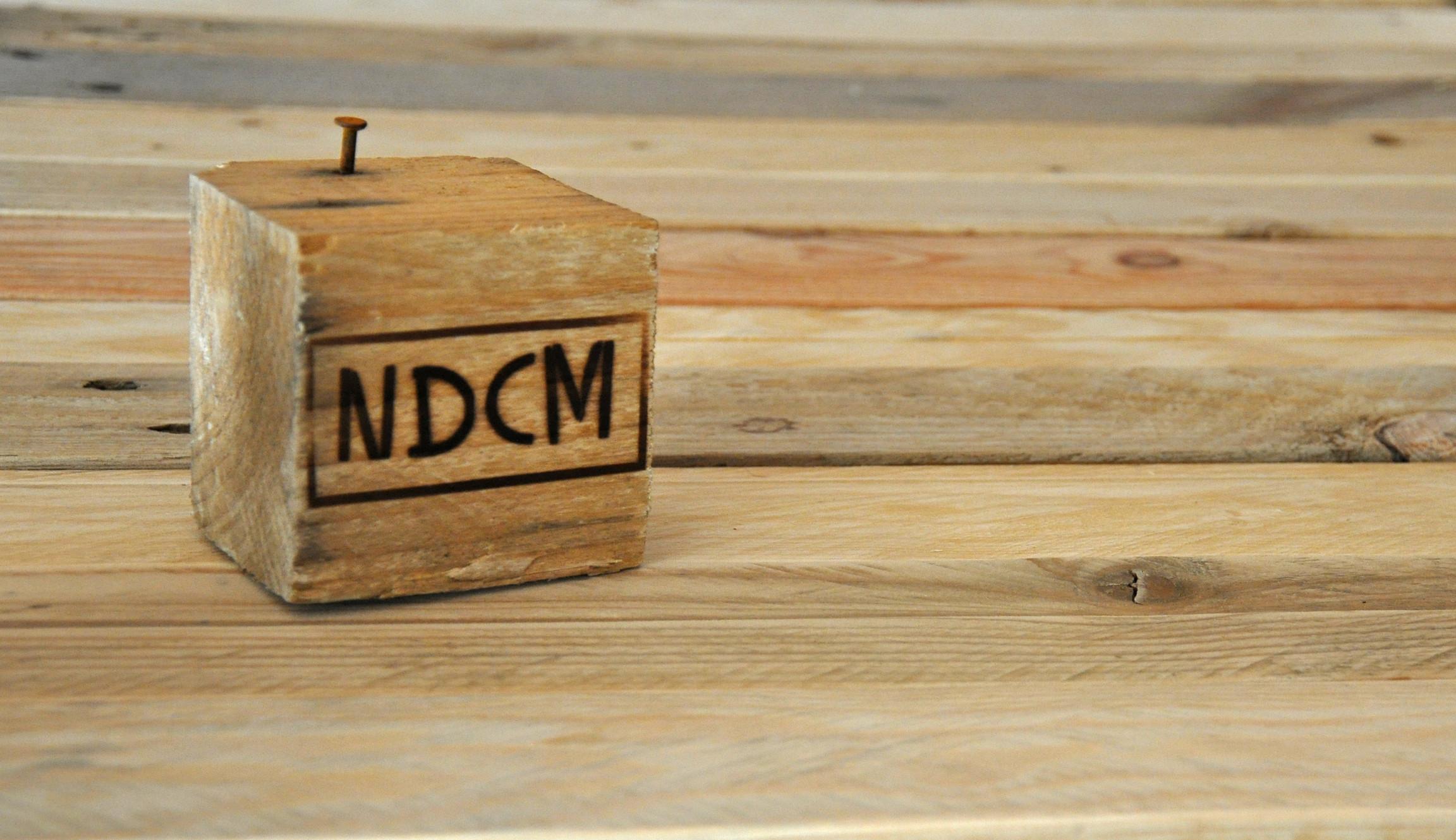 Banc D Entrée En Palette ndcm, fabrication de meubles sur-mesure en bois de palette