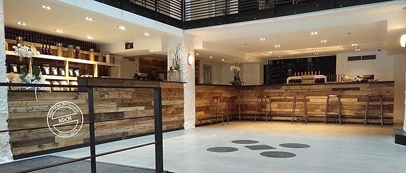 comptoir bar création NDCM bois palette, Buzzy Nest, La Hulpe, Belgium