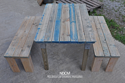Table avec 2 bancs