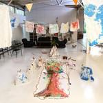 土曜日は、サンダスタジオでのワークショップでした。現代アーティストの吉田和代先生から胎内での記憶や本能のお話などをお聞きしたあと、一緒に三田のいい空気を吸いながら大きな木