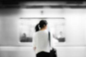 Kvinde på Subway