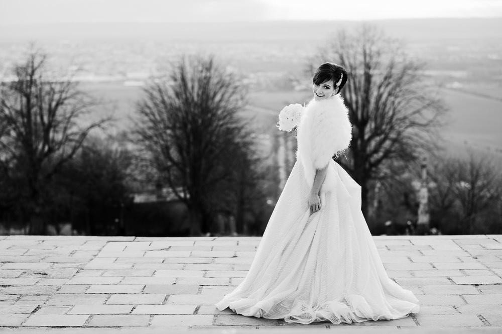 Portrét nevěsty se zimními šaty na Kopečku v Olomouci.