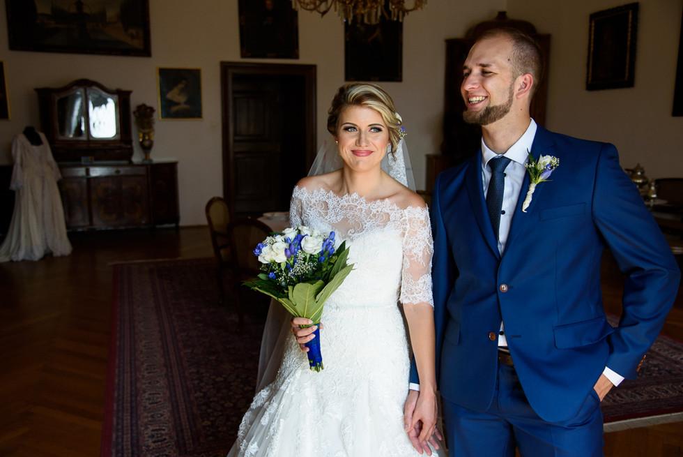 Portrét novomanželů v interiérech hradu Šternberk