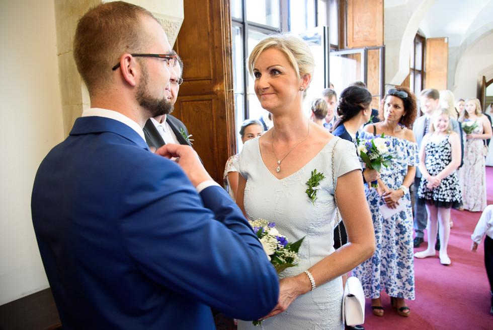 Svatební hosté před obřadem