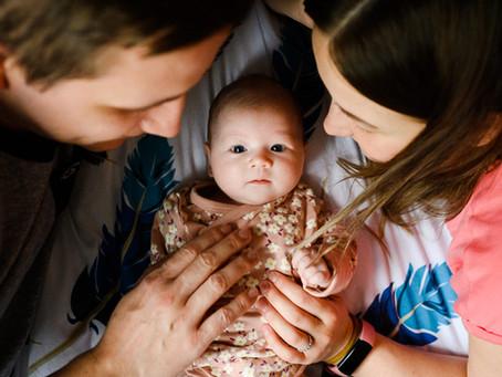 Anetka: novorozenecké focení v domácím prostředí