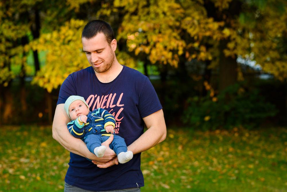 Portrét táty se synem pořízený při focení v olomouckém rozáriu.
