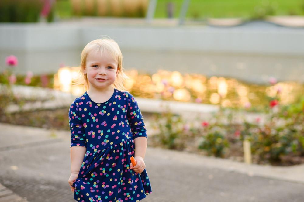 Dětský portrét z olomouckého parku.