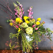 Spring mix with Daffodils.jpg