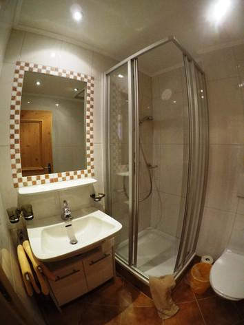 Badezimmer.jpeg