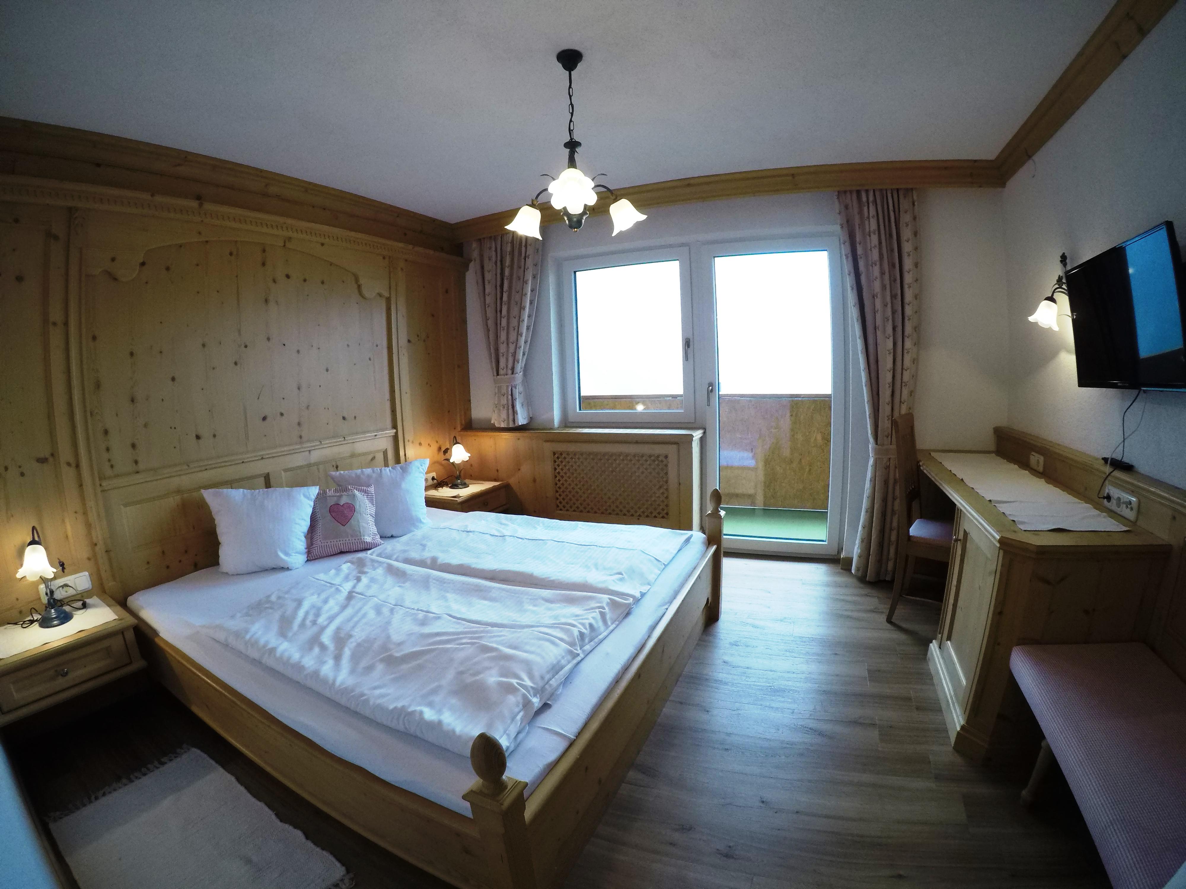 Schlafzimmer_Geißhorn_2