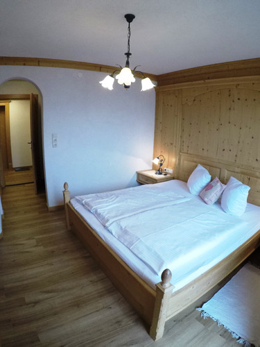 Schlafzimmer_Geißhorn.jpeg