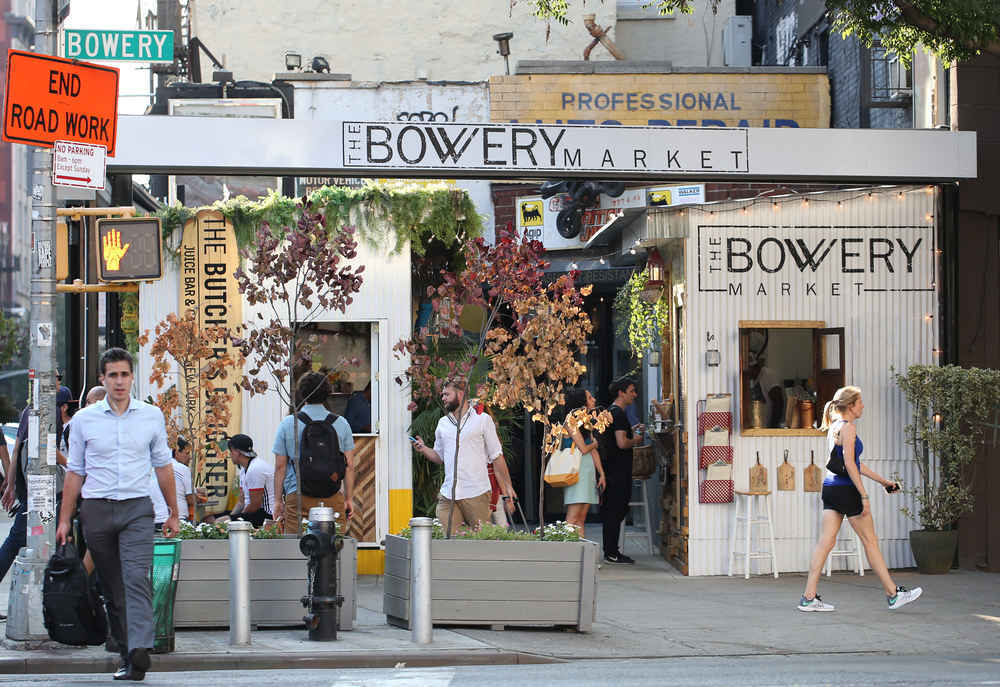 Bowery_Market_in_Manhattan__New_York