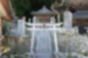 岩屋寺の境内にある笠森神社は元々地元の家にありました。眼病平癒の為多くの参拝者が訪れましたが、近年では恋愛成就のお社として多くの方が参拝されます。