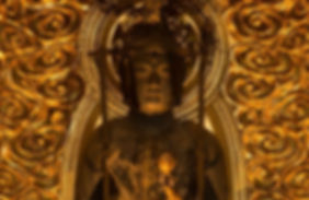 元正天皇の命により霊亀元年に押小路中納言実直候が派遣されました。行基菩薩が導師となり聖観音の開眼供養が行われました。