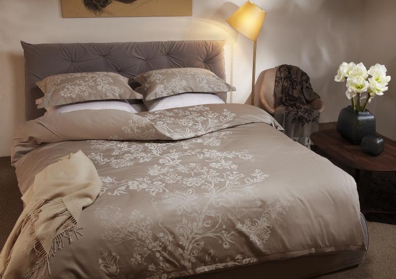 satīna gultas veļas komplekti