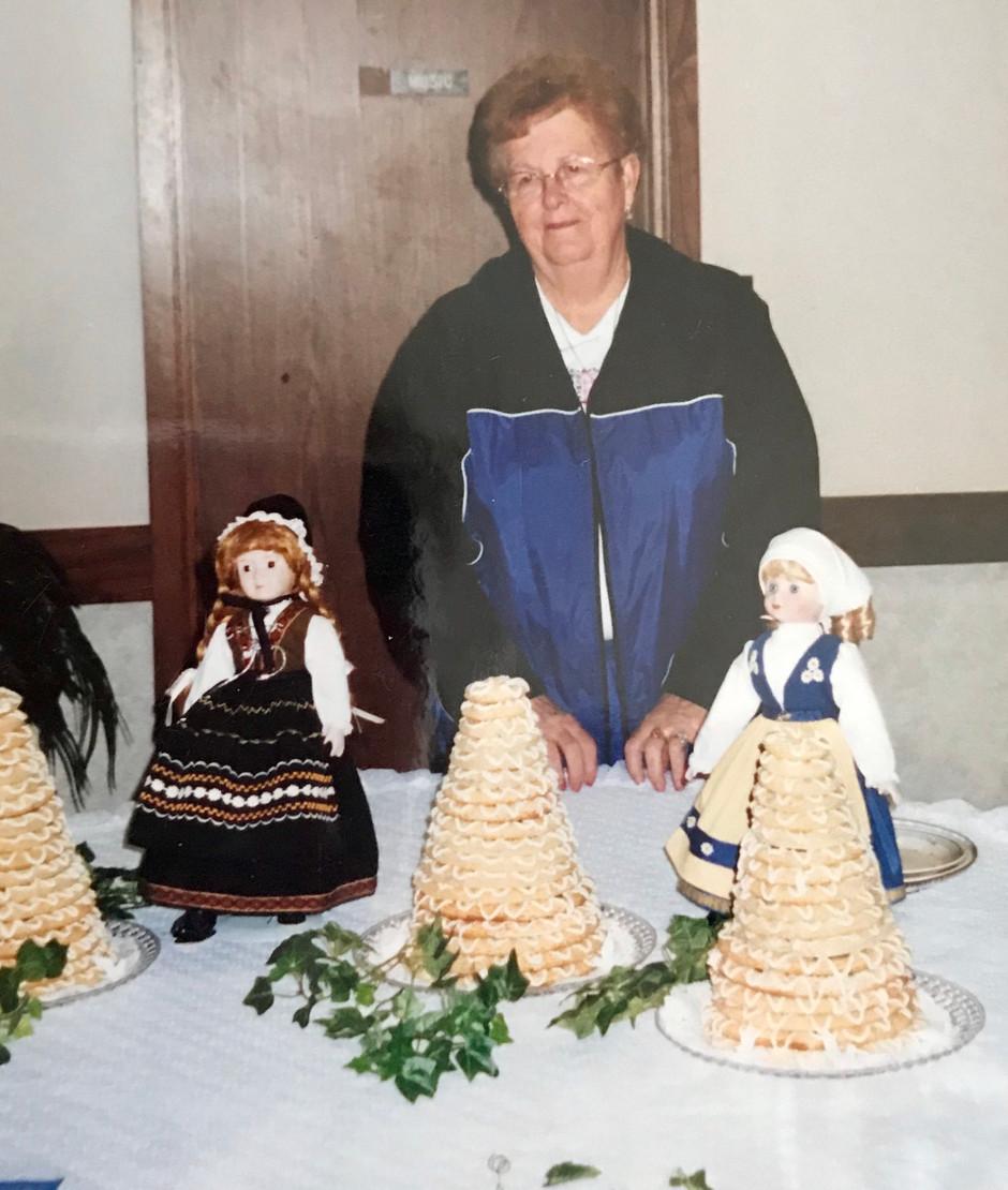 Scandinavian Stories: Eva Gregerson's Cakes