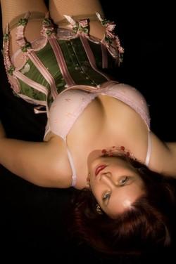 Carolyn+garter+corset.jpg