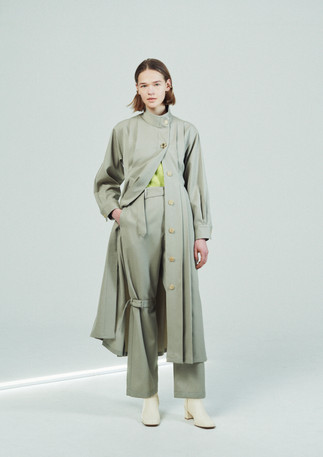 WOOL SATIN STAND COLLOR TUCK ONEPIECE 21WOP-#911L BEIGE  WOOL SATIN FRENCH ARMY OVERPANTS 21WPT-#828L BEIGE  SQUARE TOE SHORT BOOTS 21WSHO-#912L ECRU