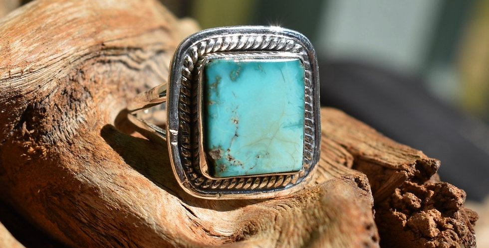 Arizona Turquoise 925 Sterling Silver Ring Size 8.25