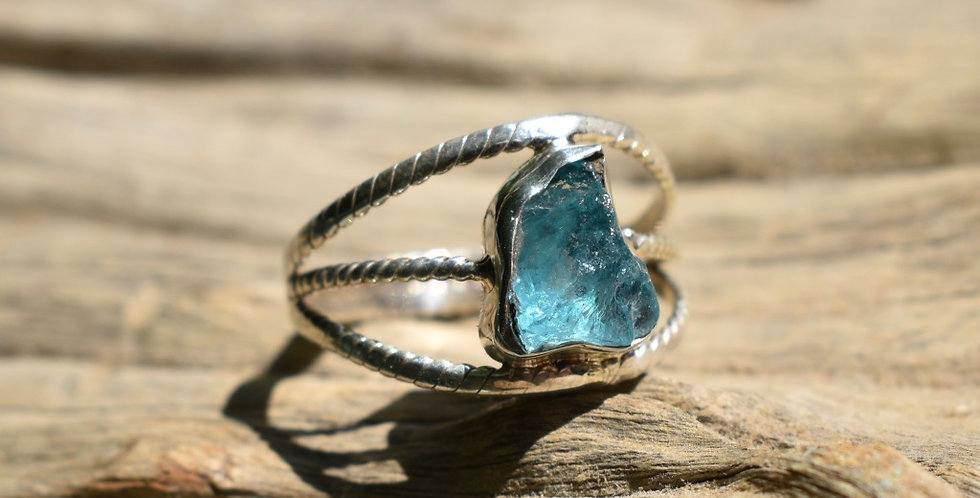 Blue Apatite 925 Sterling Silver Ring Size 7.5