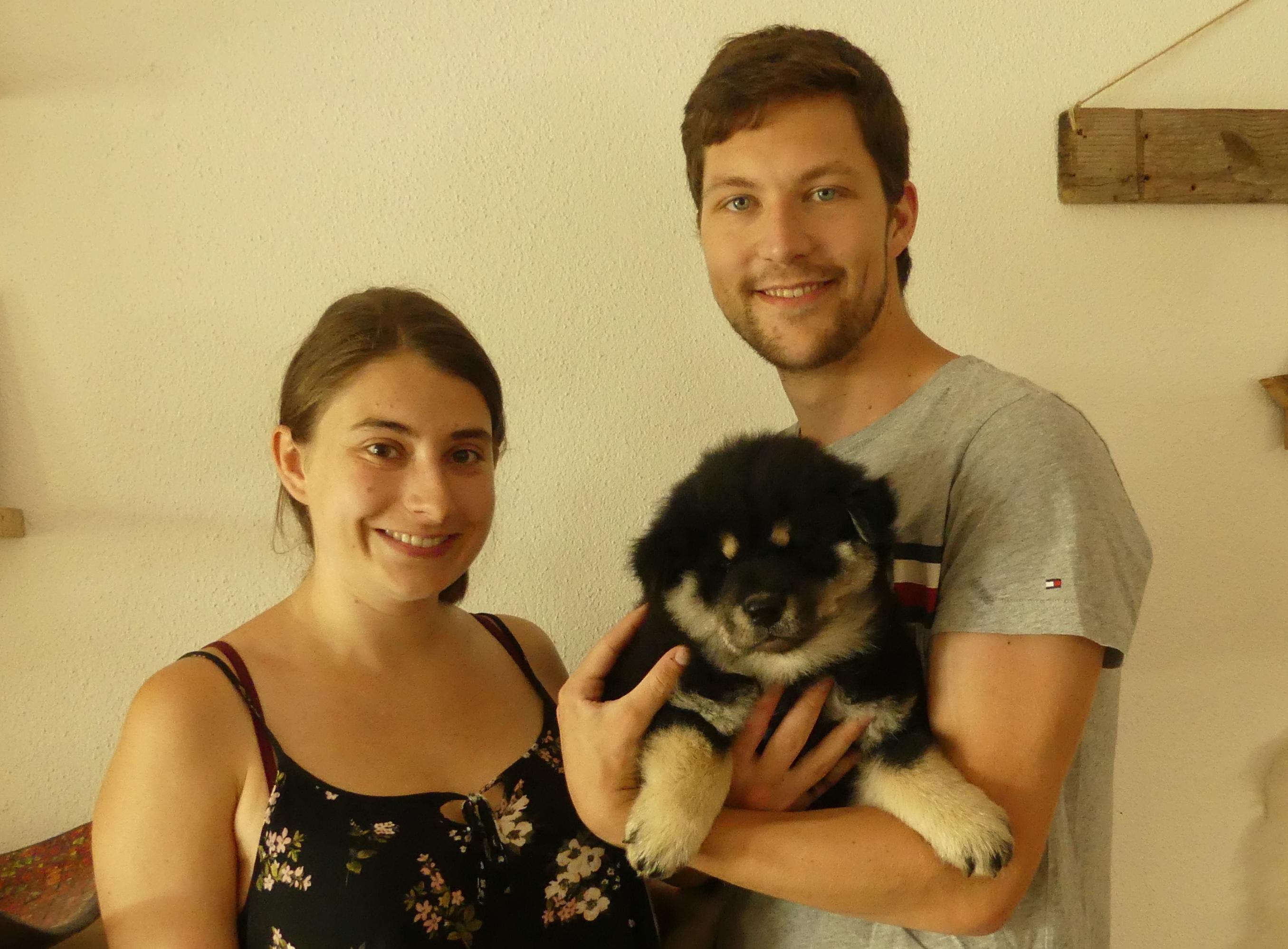 Arkani mit seiner neuen Familie