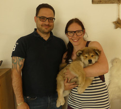 Anjuk mit seiner neuern Familie