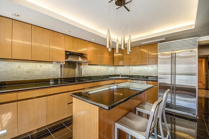 Kings Landing Penthouse 1201 Kitchen