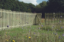 Round_Top_Picket_Panel _and_Gate_NFF