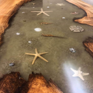 22 - Clearly resin live table